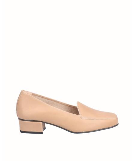 Zapato mocasín tacón piel beig tostado