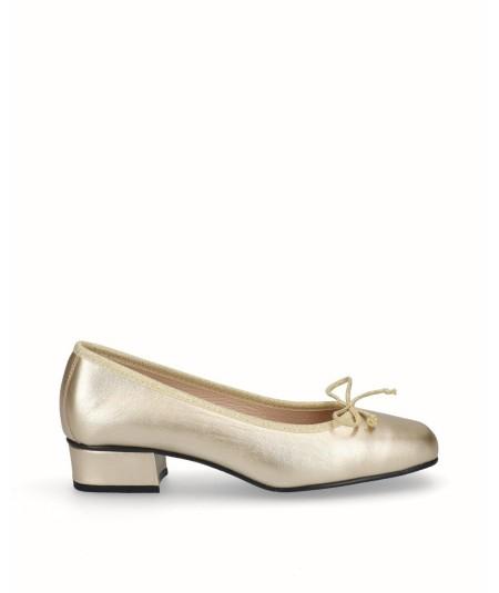 Zapato bailarina tacón piel oro