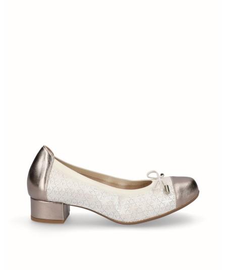 Zapato tacon bailarina piel nacarada beig