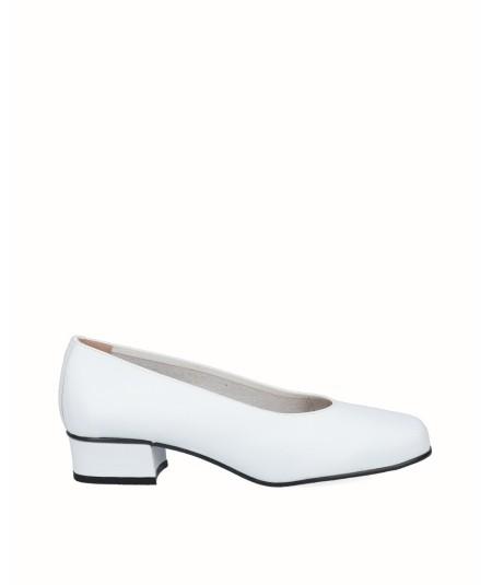 White leather high heel shoe