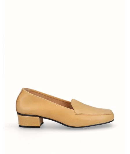 Camel leather heeled moccasin shoe