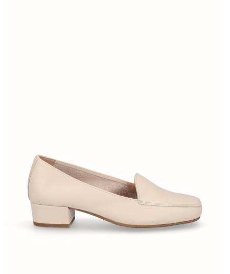 Beige leather heeled moccasin shoe