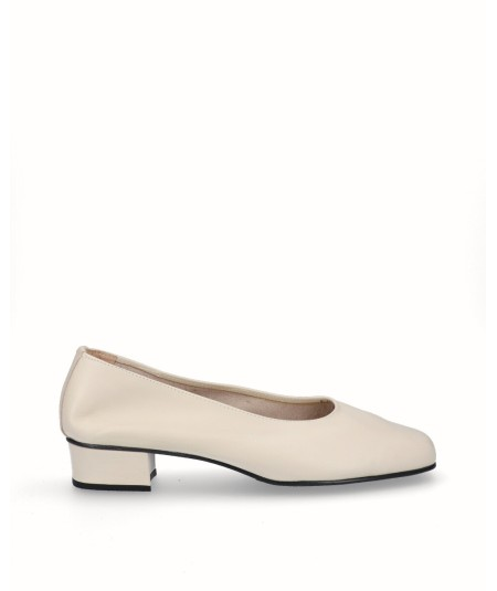 Beige leather high heel shoe
