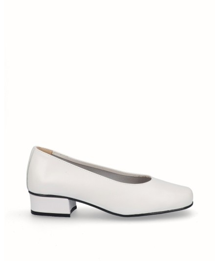 White leather high heel shoe
