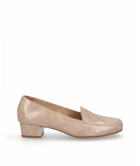 Zapato mocasín tacón piel grabado serpiente beig