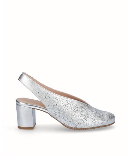 Zapato tacón destalonado picado piel plata