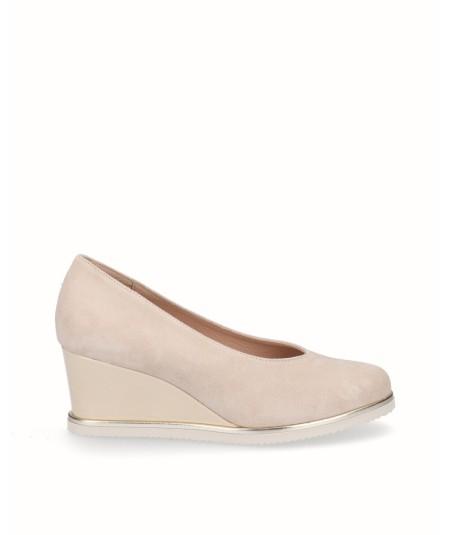 Zapato cuña salón piel serraje crema