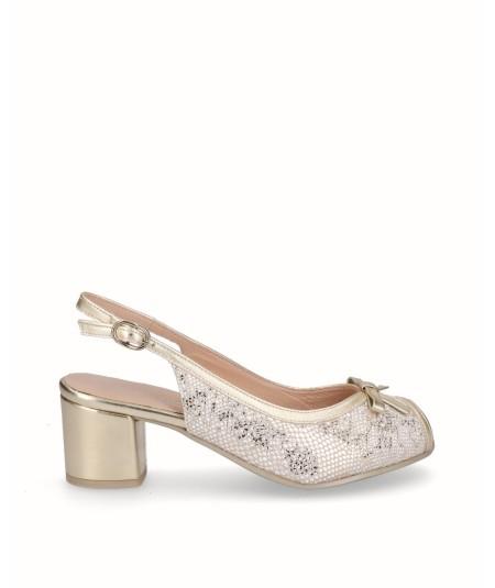 Zapato tacón peep toes piel beige combinado oro