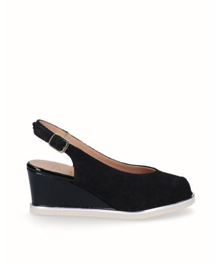 Zapato peep toes cuña salón piel serraje negro