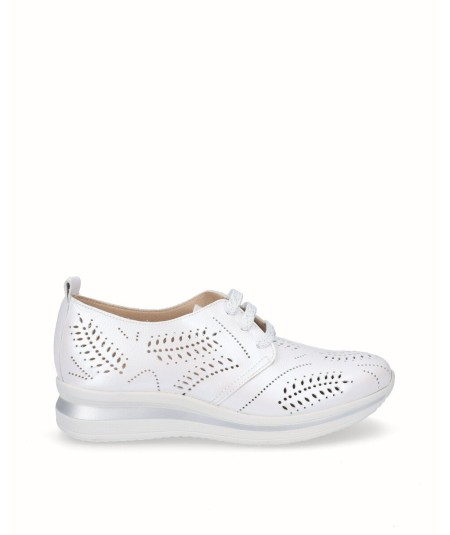 White pearly leather sports shoe
