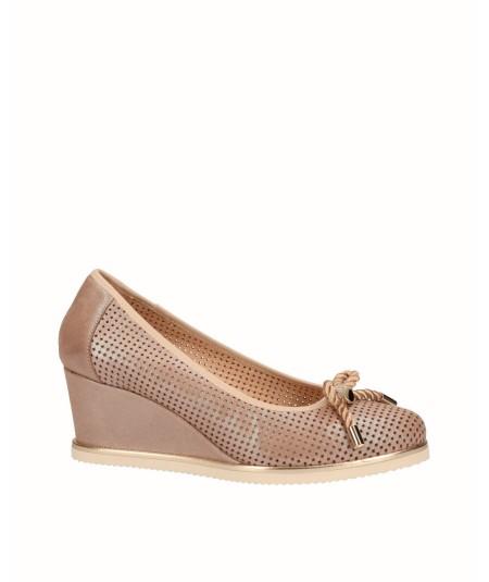 Zapato cuña salón piel fantasía beige