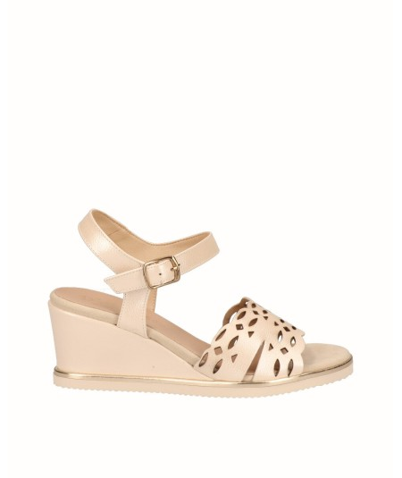 Beige pearly leather wedge sandal
