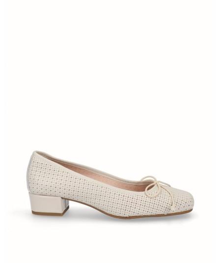 Zapato tacón bailarina piel perforada blanco