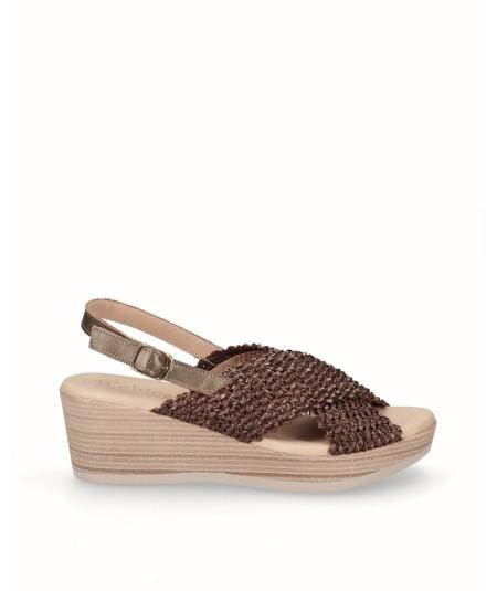 Sandalia cuña rafia elástica marrón