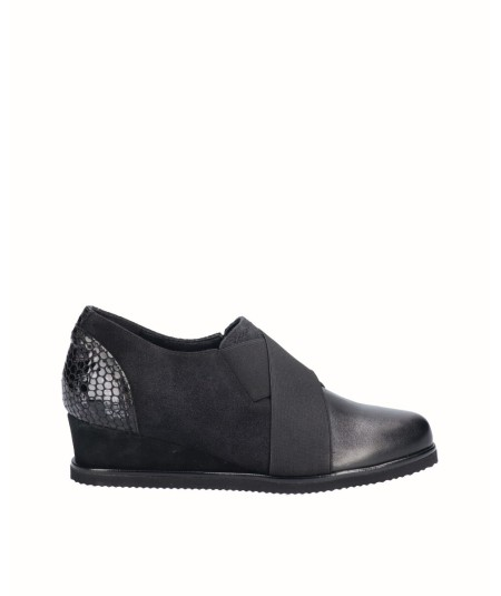 Leather wedge shoe combined suede and black snake engraved patent leather with elastic