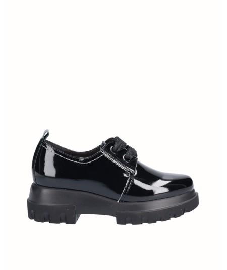 Zapato piel charol negro con cordones