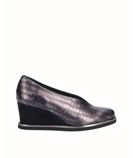 Zapato cuña piel metalizada grabado serpiente negro