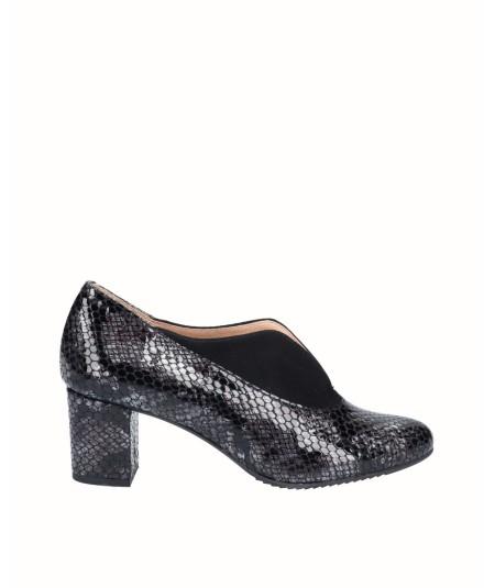 Zapato salón tacón piel charol grabado serpiente combinado con piel ante negro