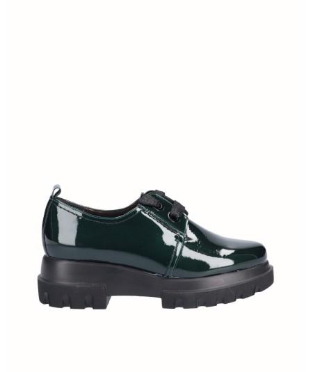 Zapato piel charol verde botella con cordones